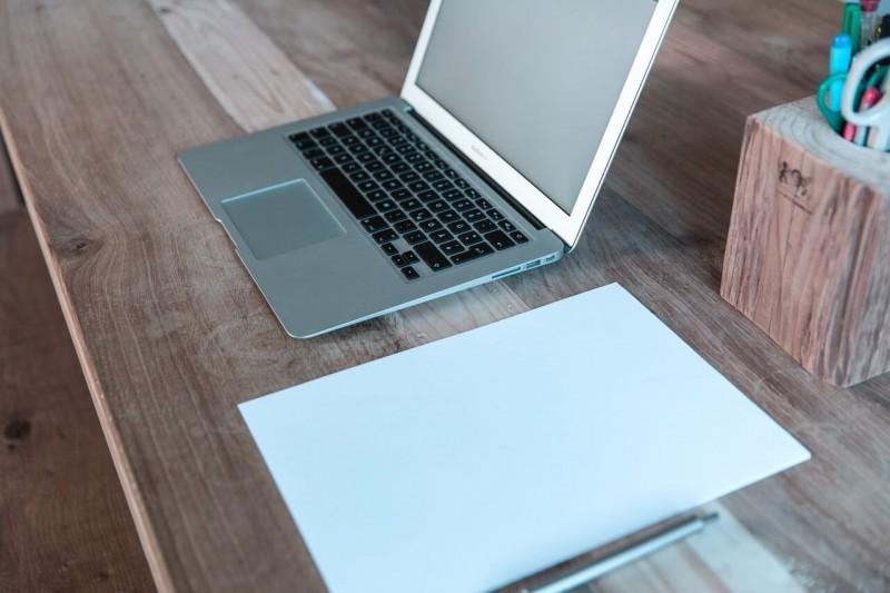 海外在住で無料かつ簡単にネットショップを運営する方法!BASEとSTORESを使い分けよう