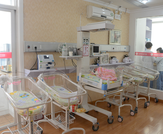 newborn-nursing-equipment-in-guangzhou-elizabeth