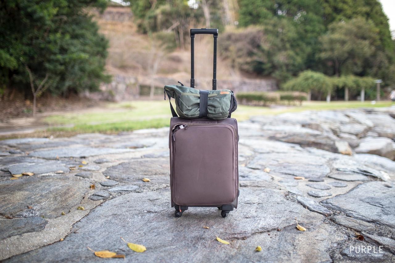 100円均一「ダイソー」の手荷物固定ベルトをスーツケースに使った様子